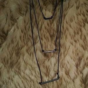 NWOT 3 layer black simple line necklace